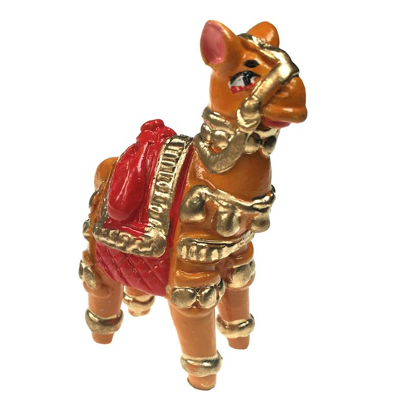 terracotta kameel